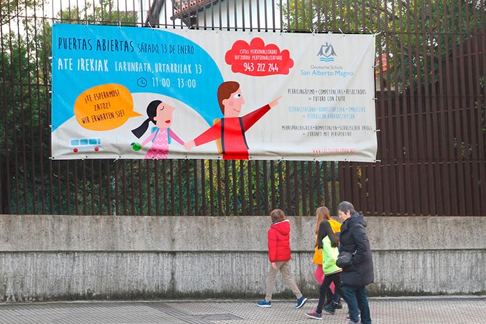 arroka-campana-colegios-puertas-abiertas-ilustracion-lona